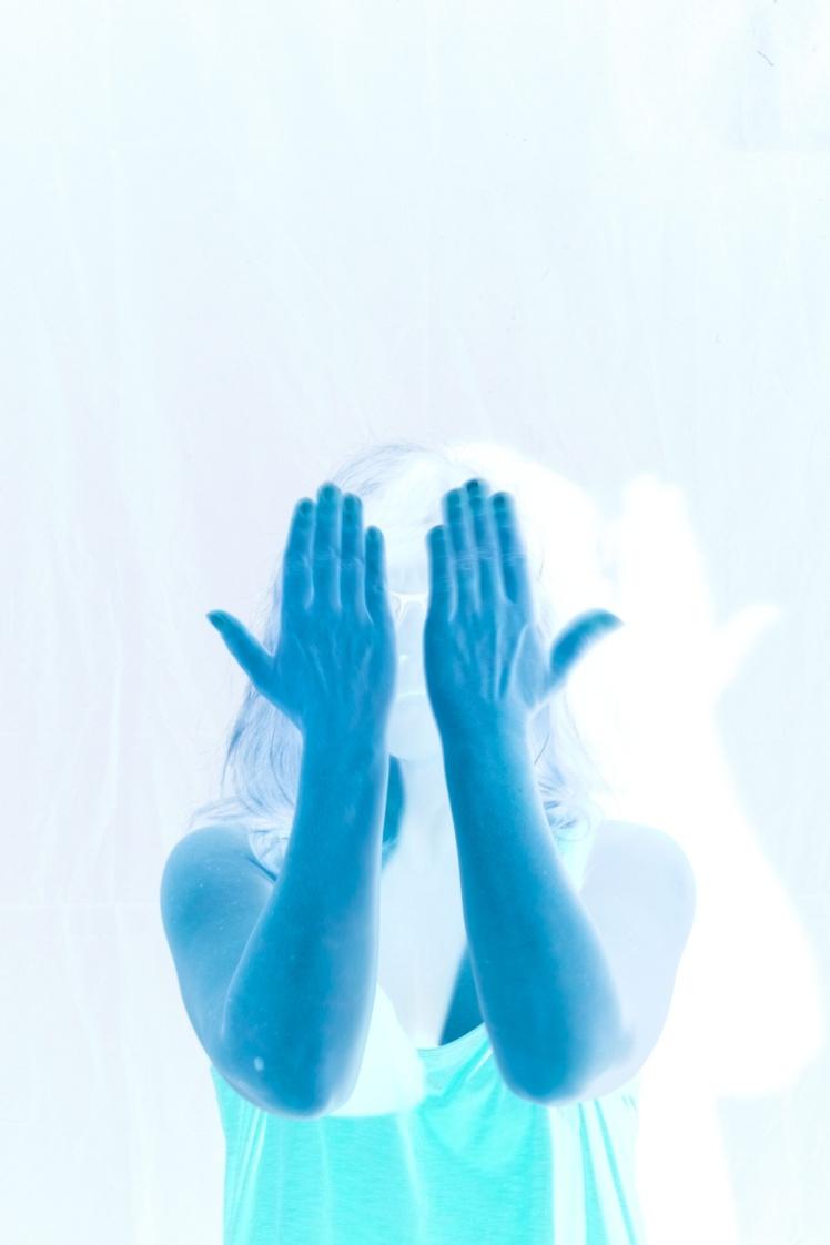 Hands_Front_Negative