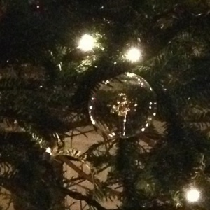 Tree_GlassAngelBall