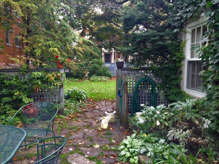 coach house garden in old Kingston